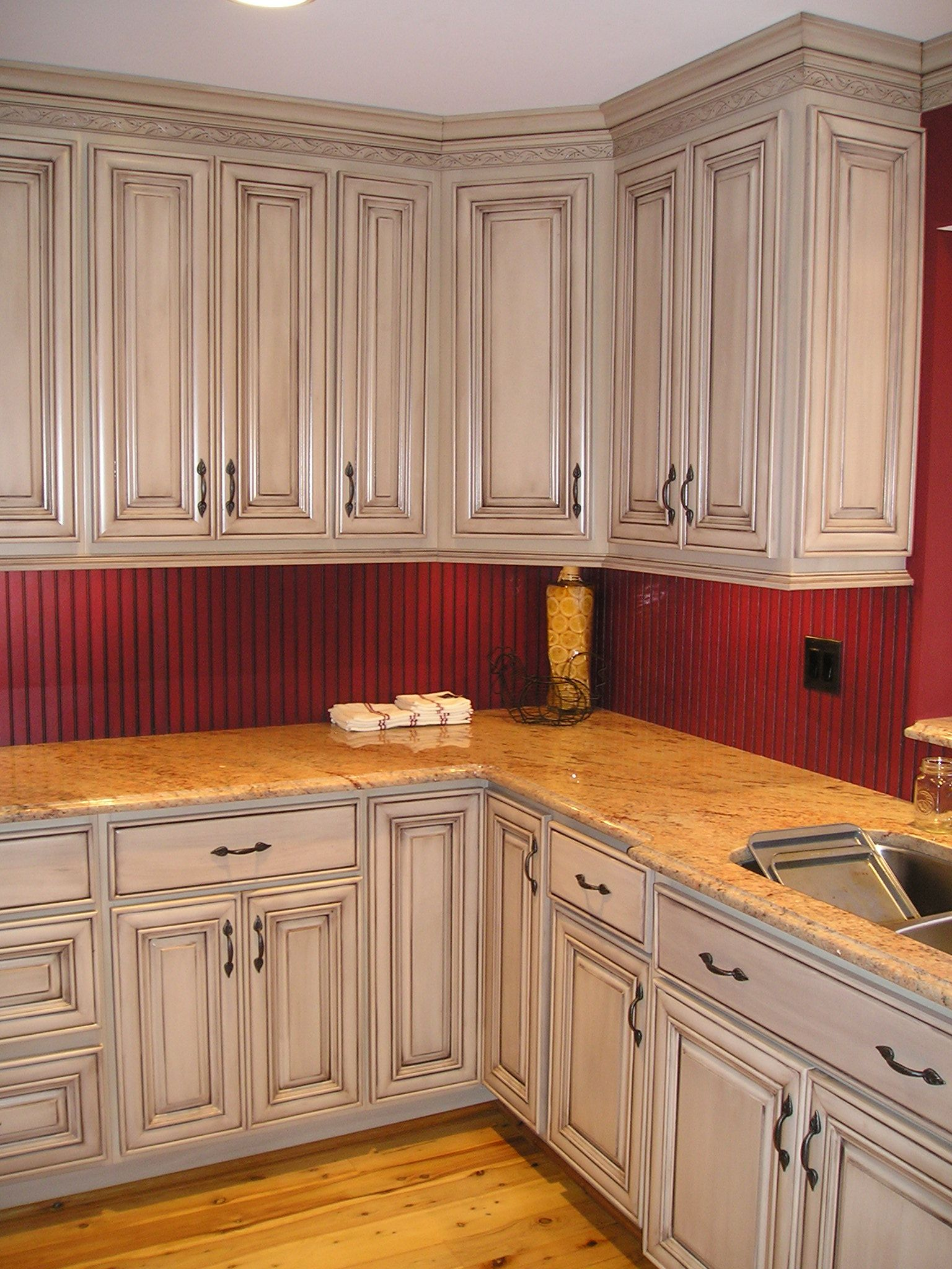 How To Glaze Kitchen Cabinets Antique Look For Your Kitchen Kitchen Dorks